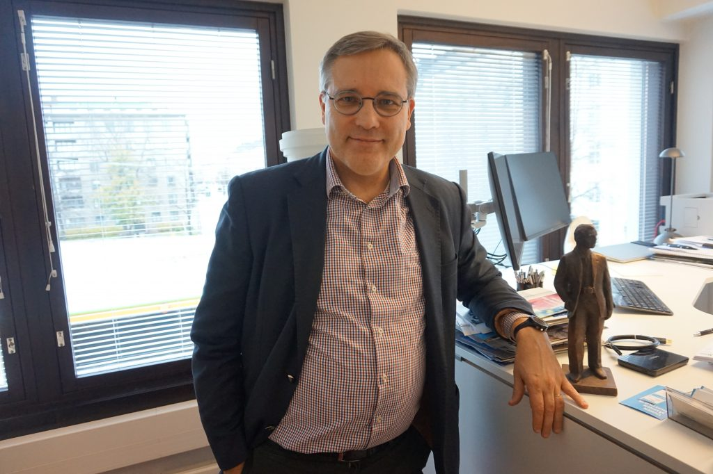 Suomen Yrittäjien toimitusjohtaja Mikael Pentikäinen sanoo maamme tarvitsevan kasvunälkäisiä yrityksiä, sillä uudet työpaikat ja investoinnit ovat yhteiskunnallemme välttämättömiä. Kuva: Matti Pulkkinen