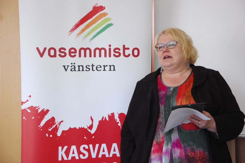 Vasemmistoliiton tamperelainen EU-vaaliehdokas Sinikka Torkkola odotti puolueensa pärjäävän nähtyä paremmin tämänkertaisissa europarlamenttivaaleissa. Torkkola valmistautuu jo uusiin haasteisiin. Korruption kitkeminen alkaa.