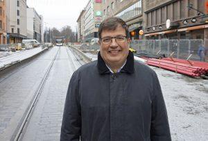 Kansanedustaja Arto Satonen muistuttaa, että kokoomus voi palvella isänmaata myös oppositiosta käsin. (Kuva: Matti Pulkkinen)