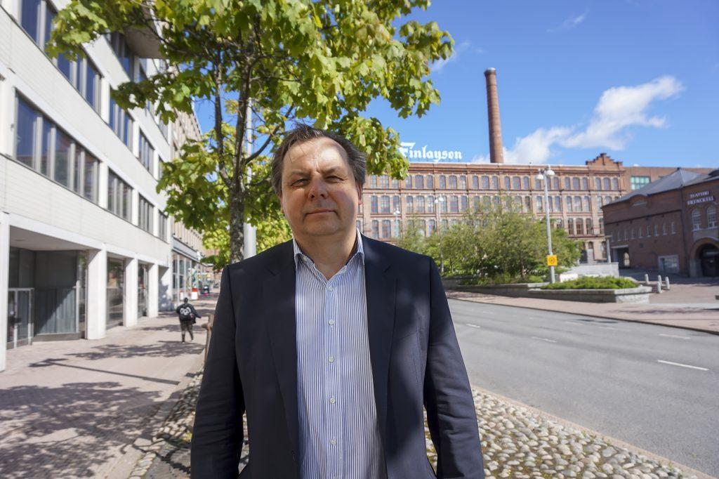 Tampereen kaupungin elinvoiman ja kilpailukyvyn palvelualueen johtaja Teppo Rantanen kiittelee Tampere Euroopan kulttuuripääkaupungiksi 2026 -hankkeen olevan hyvässä vauhdissa. – Valjastamme koko Pirkanmaan annin kulttuuripääkaupunkiutemme sisällöksi, hän sanoo.