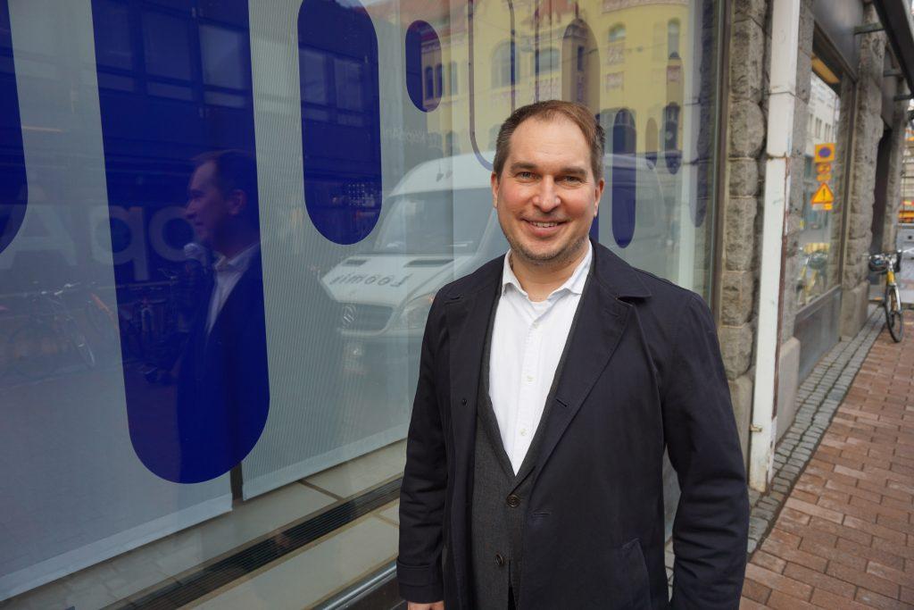 Nordean Pirkanmaan aluejohtaja muistuttaa pankkinsa olevan esimerkillinen veronmaksaja Suomessa. (Kuva: Matti Pulkkinen)