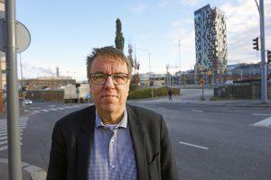 Aluekehitysjohtaja Jukka Alasentie kiittää vuolaasti Pirkanmaan olevan aktiivinen koronapandemian kolhujen hoidossa. Pirkanmaan liiton toteuttama selviytymissuunnitelma on saanut koko maakunnan hereille. Kasassa on noin 80 kehitysideaa.