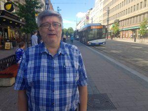 Pirkanmaan Sosialidemokraattien toiminnanjohtaja Harri Sandell sanoo, että kuntavaalien tulos oli pettymys. SDP menetti Tampereen ykköspuolueen aseman ja Pirkanmaan suurimman puolueen aseman. Sandell lupaa, että SDP palaa ykkösruutuun mahdollisissa aluevaaleissa tammikuussa. (Kuva: Matti Pulkkinen)